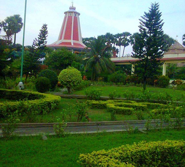 Grounds_Of_Maharshi_Mehi_Ashram.png.jpg